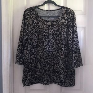 Croft & Barrow size large textured 3/4 sleeve top